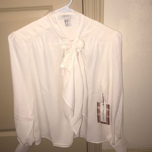 NEW WITH TAGS NEVER WORN BEFORE FORVER 21 blouse